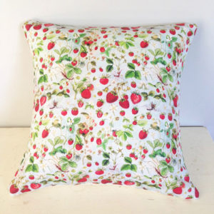 strawberry-throw-pillow