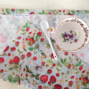table-napkins-strawberries-3